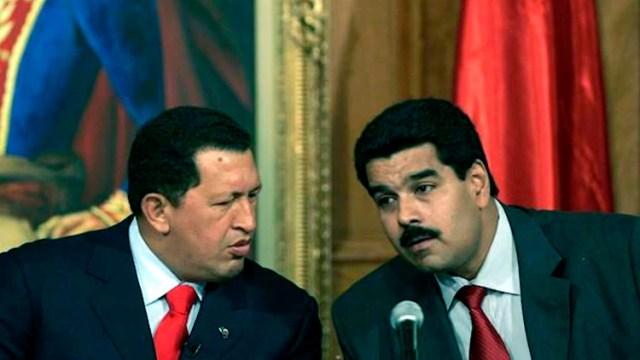 """Hugo Chávez y Nicolás Maduro. Con el primero aparecieron los """"enchufados""""… con el actual dictador, se hicieron más visibles y se multiplicaron"""