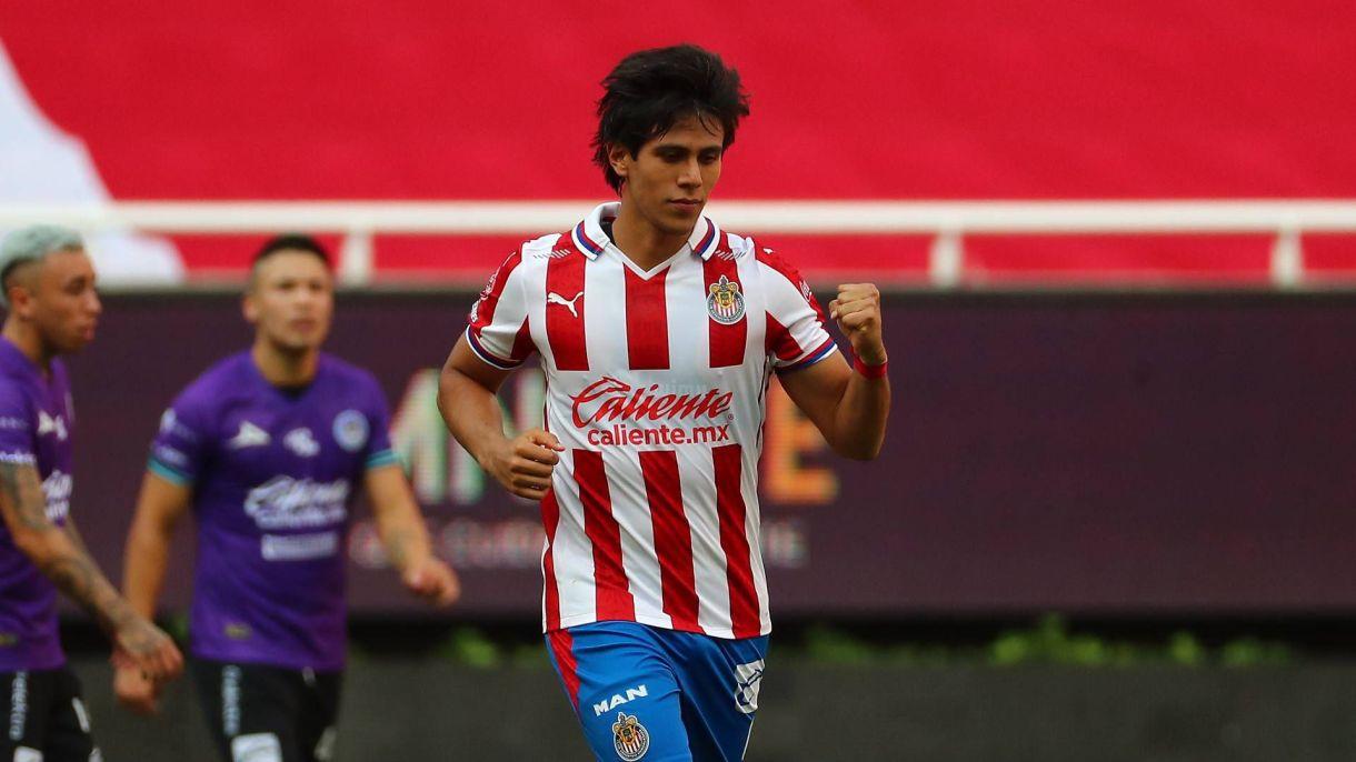 José Juan Macías (Foto: Twitter/ @Chivas)