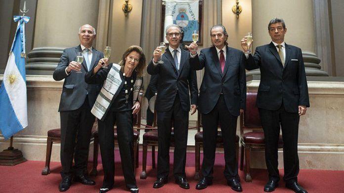 Corte suprema - Ricardo Lorenzetti, Elena Highton de Nolasco, Carlos Rosenkrantz, Juan Carlos Maqueda y Horacio Rosatti