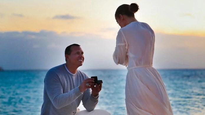 Tras el viaje a las Bahamas, la pareja mantuvo el silencio. Álex Rodríguez se dejó ver en público con un ojo morado (Foto: Instagram @JenniferLopez)