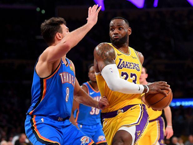 LeBron James se convirtió en el primer basquetbolista en toda la historia de la NBA en conseguir al menos un triple-doble a todos los equipos que disputan la liga (USA TODAY Sports)