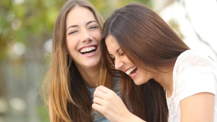 La capacidad para bromear acerca de nosotros mismos indica un buen nivel de aceptación personal y de autoconocimiento