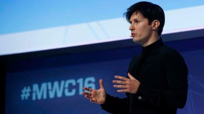Pavel Durov, cofundador y CEO de Telegram, durante una conferencia en el Congreso Mundial de Móviles el 23 de febrero de 2016. (REUTERS/Albert Gea)