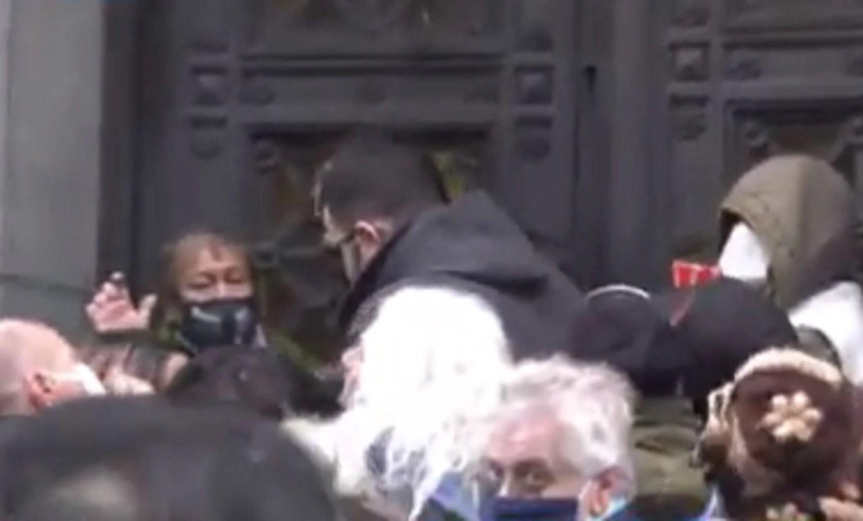 Un grupo de manifestantes intentó ingresar por la fuerza al Congreso - Toty Flores