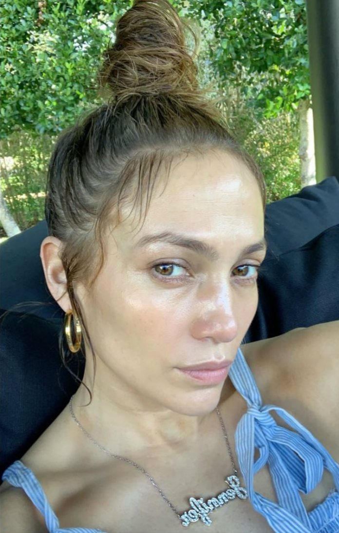 Jennifer Lopez recibió elogios por su aspecto al natural (Instagram)