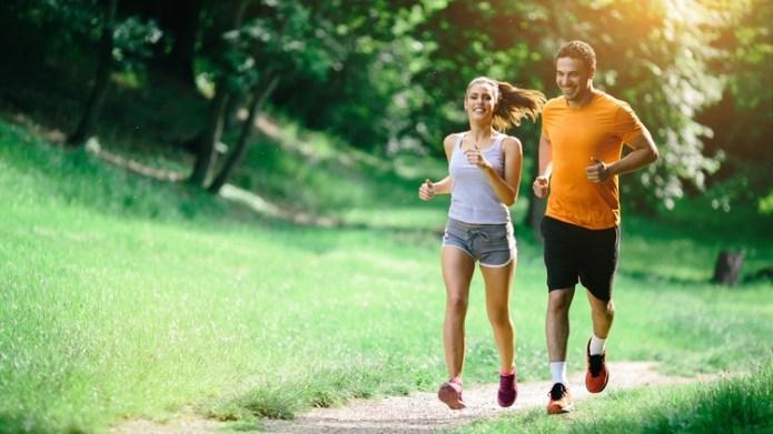 Una buena alimentación y la práctica de hábitos saludables ayudan a prevenir el ACV