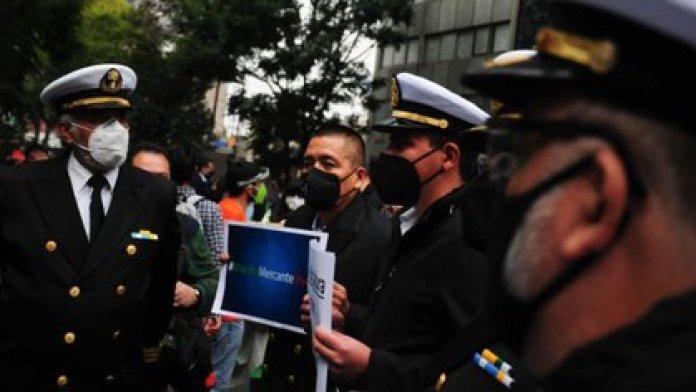 Los manifestantes de la marina mercante consiguieron el Parlamento Abierto en el Senado que habían pedido el martes (Foto: Cuartoscuro)