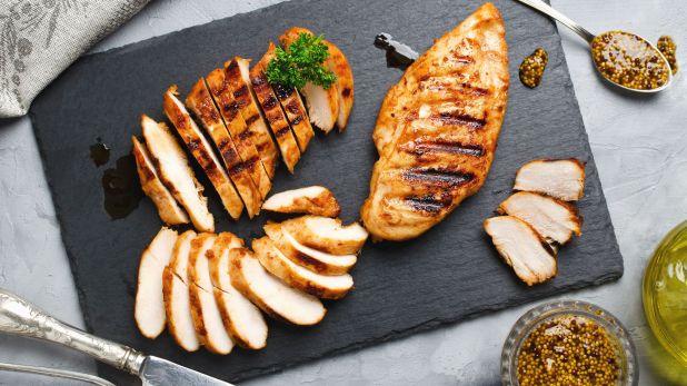 El actual consumo de carne de pollo es muy similar al de la carne vacuna