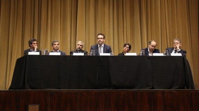 Sandleris y su equipo, en una conferencia de prensa en el BCRA (Matias Baglietto)