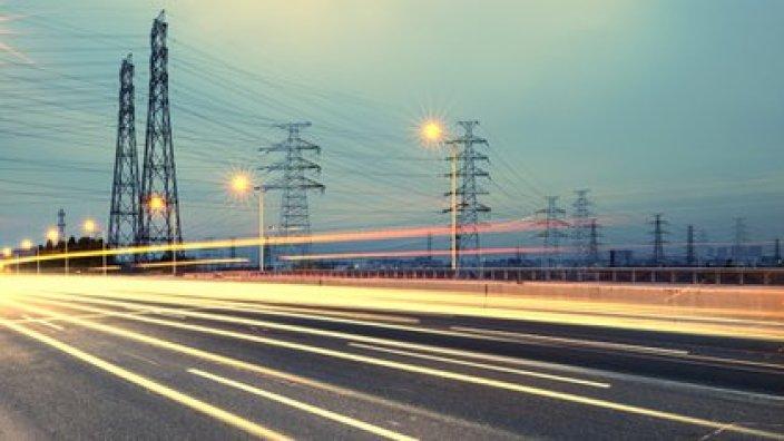 La Cofece recomendó al Congreso no aprobar la iniciativa para reformar la industria eléctrica de AMLO (Foto: Cortesía Cofece)