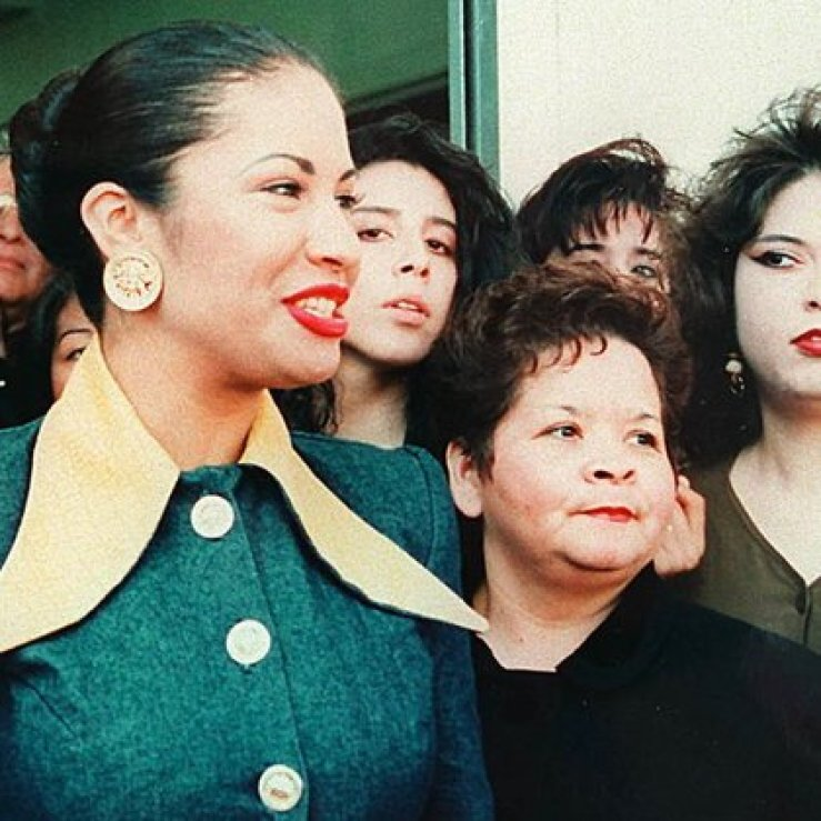 Tal fue la confianza que logró ganarse que la familia Quintanilla la consideró para ser la administradora general de las boutiques de la estrella (Foto: Instagram @selenaquintanillaetc)