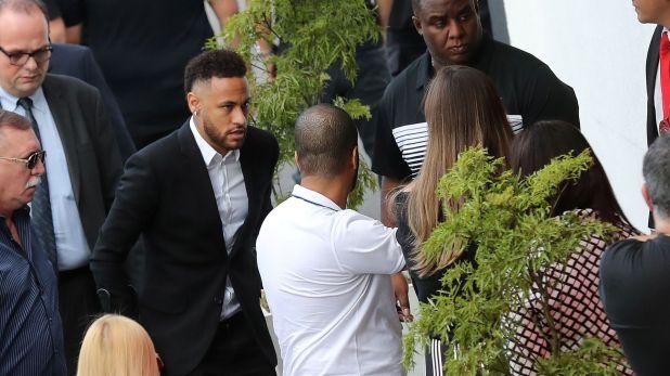 Neymar declaró en una comisaría de San Pablo durante cinco horas