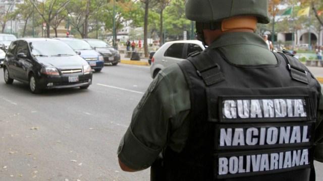 Un oficial de la Guardia Nacional Bolivariana