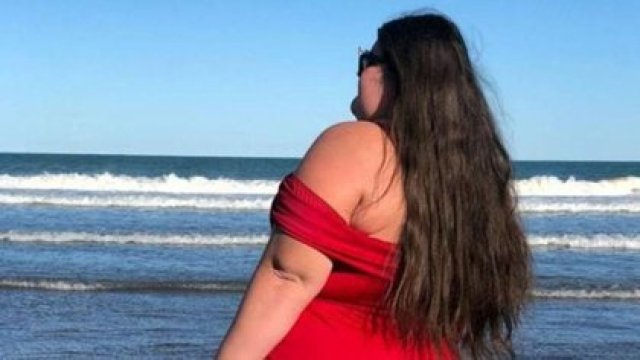 La joven en su viaje a Mar del Plata