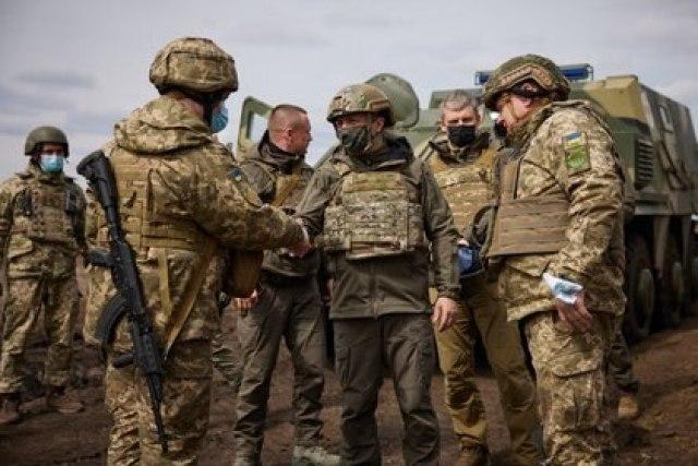 """El gobierno de Ucrania se reserva el derecho a responder """"si Rusia cruza la línea roja"""" (PRESIDENCIA DE UCRANIA)"""
