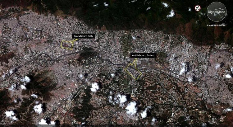 La distancia entre ambas marchas en la capital venezolana (Reuters)