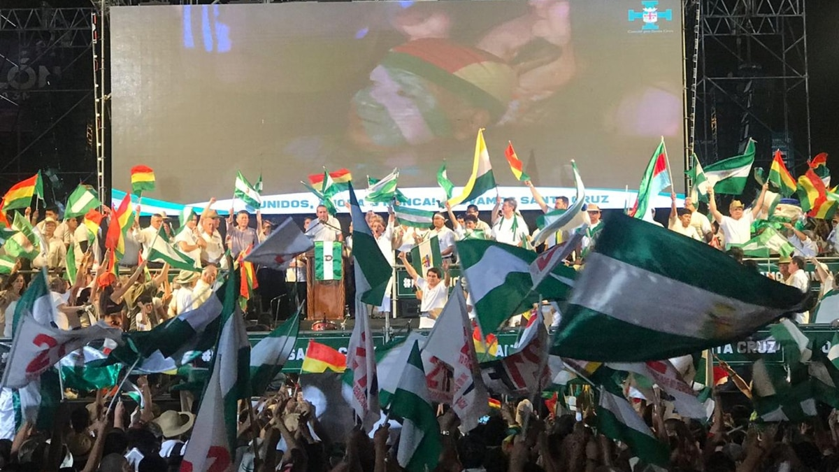 En la recta final de la campaña boliviana, el Cabildo llamó al voto castigo contra Evo Morales