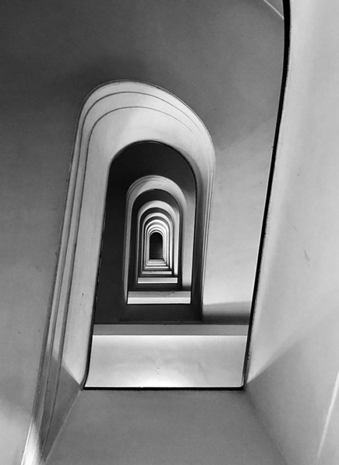 """Dentro de la categoría """"Arquitectura"""" el primer lugar fue para Massimo Graziani (Italia) con """"Rampage"""" (Alboroto). La imagen se tomó con un iPhone 7 Plus en Roma, Italia."""