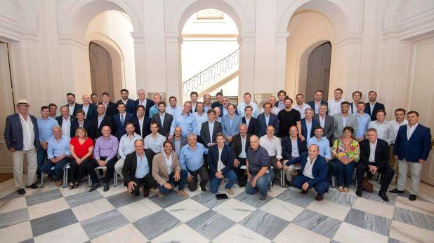 El gobernador de Buenos Aires se reunió con los intendentes de Cambiemos y bajó la tensión por la ley impositiva