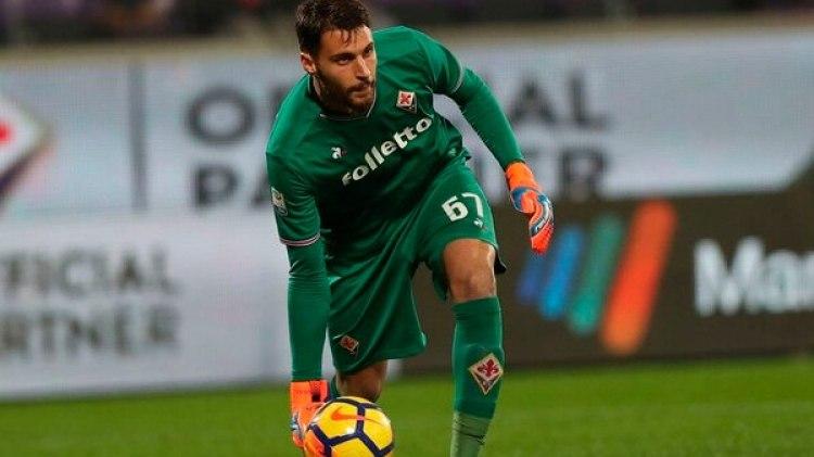 El arquero Marco Sportiello fue el último que lo vio con vida a Astori (@Sp_Fiorentina)