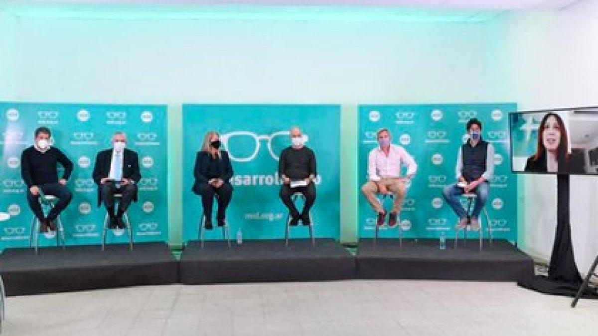 Manes, López Murphy, Stolbizer, Rodríguez Larreta, Frigerio y Lousteau en forma presencial. Vidal, por videoconferencia.