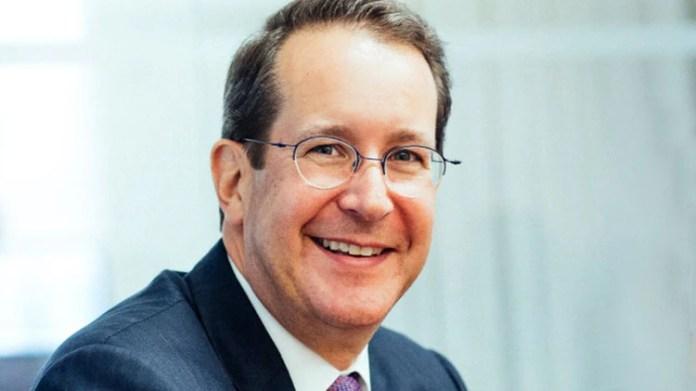 Chris Bogart, CEO de Burford