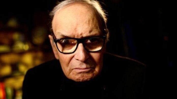 El célebre compositor italiano Ennio Morricone, autor de bandas sonoras de películas mundialmente conocidas y ganador de dos Oscars, falleció en Roma