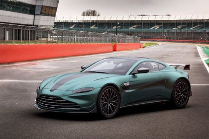 A Very Special Premiere Aston Martin Made Its Arrival In Formula 1 With A Limited Series Of The Vantage Archyde