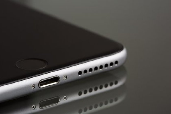 Habrá un puerto Lightning en el iPhone 12: Apple no cambiará a USB tipo C por el momento (Foto: Pixabay)