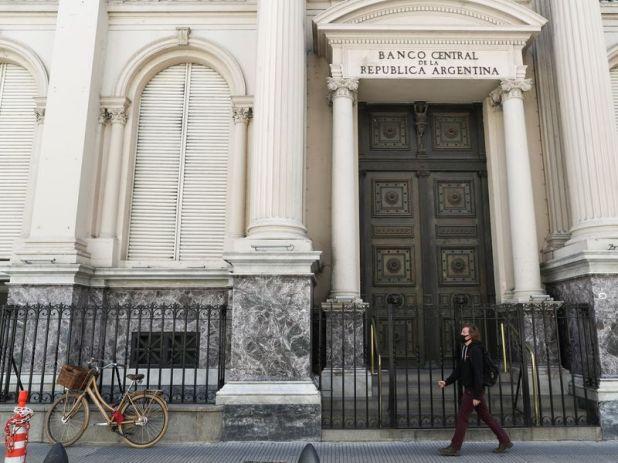La fachada del edificio del Banco Central de la República Argentina. (Reuters)
