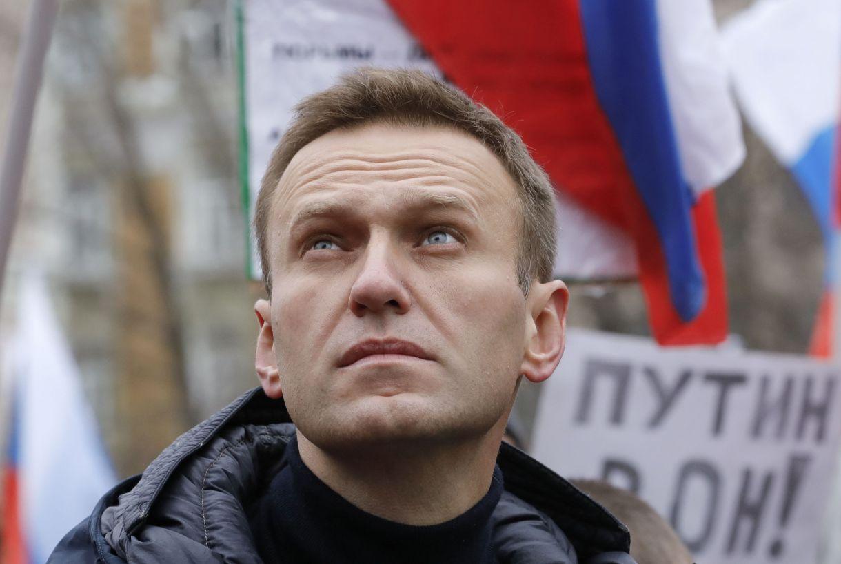 El opositor ruso Alexei Navalny durante una conmemoración del político Boris Nemtsov, asesinado en 2015, en Moscú en Febrero de 2019 (REUTERS/Tatyana Makeyeva/archivo)