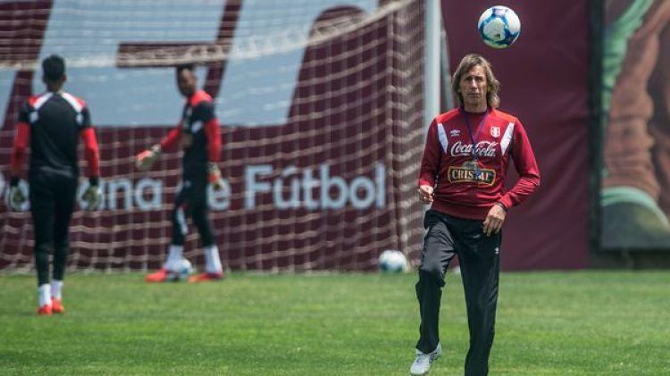El miércoles Perú arribará a Buenos Aires acompañado de una multitud de aficionados (EFE)