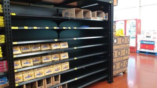 La empresa dice que sufre falta de productos por el conflicto con los trabajadores