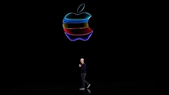 Tim Cook, CEO de Apple, durante el evento de presentación del iPhone 11 en septiembre de 2019. REUTERS/Stephen Lam