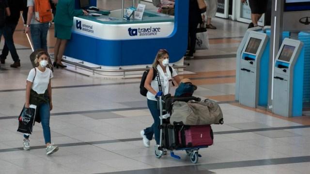 Los vuelos desde y hacia países afectados por el virus sufrirán restricciones a partir de la próxima semana (Adrián Escandar)