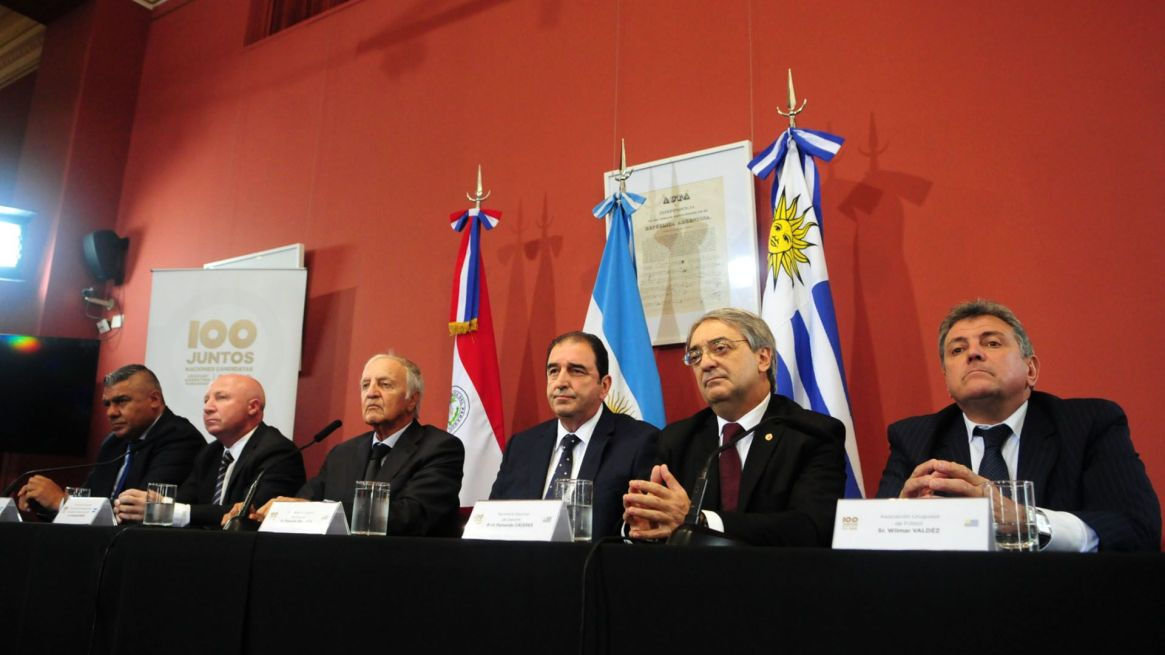 El bloque sudamericano integrado por Argentina, Uruguay, Paraguay y Chile planea postularse para organizar el Mundial 2030 (Maximiliano Luna)