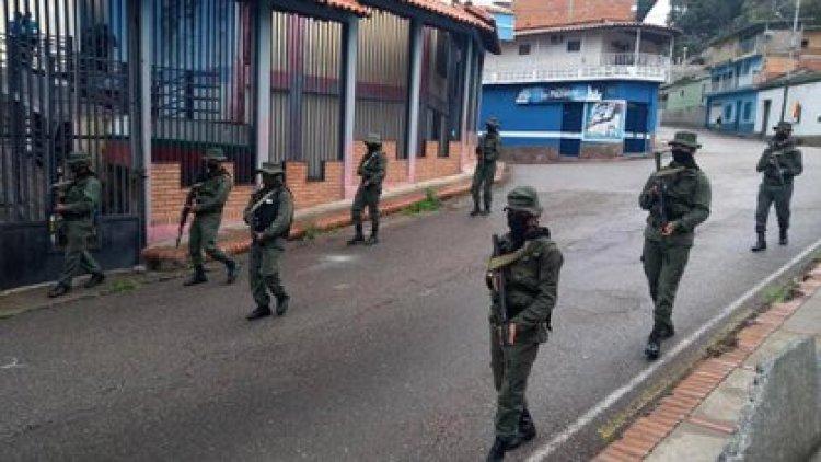 Ejército patrullando calles de Seboruco