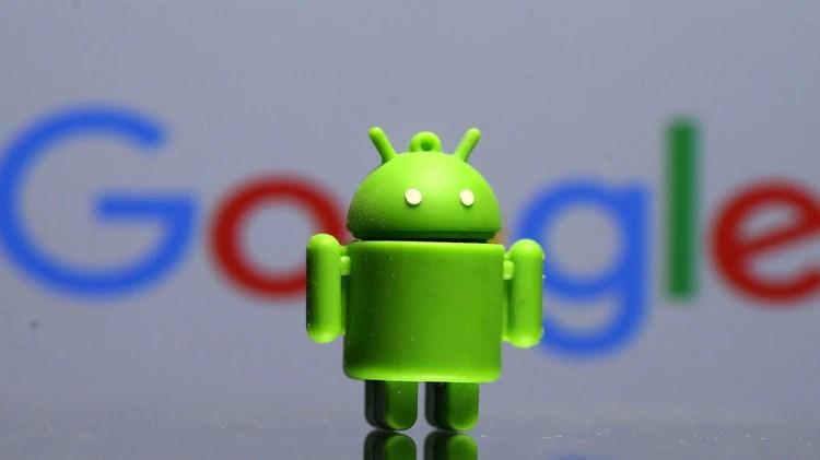 Las aplicaciones incumplen con las prácticas recomendadas por Google y la compañía advirtió que ya está tomando medidas al respecto(REUTERS/Dado Ruvic/Illustration)
