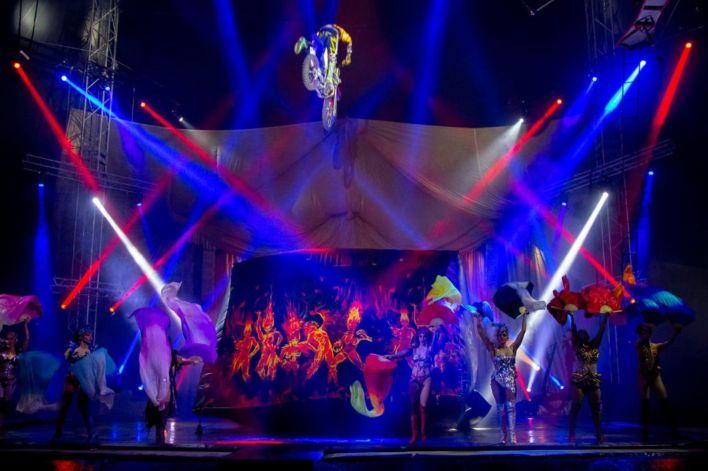 Reabrió circo varado