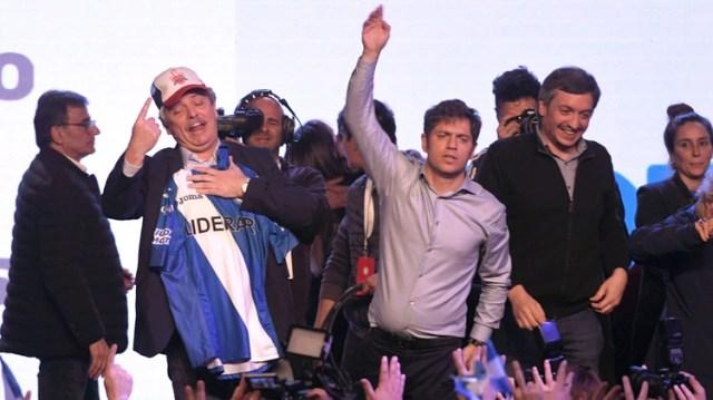 Alberto Fernández la noche del triunfo. Hoy buscará una foto con el PJ para mostrar su liderazgo (Telam)