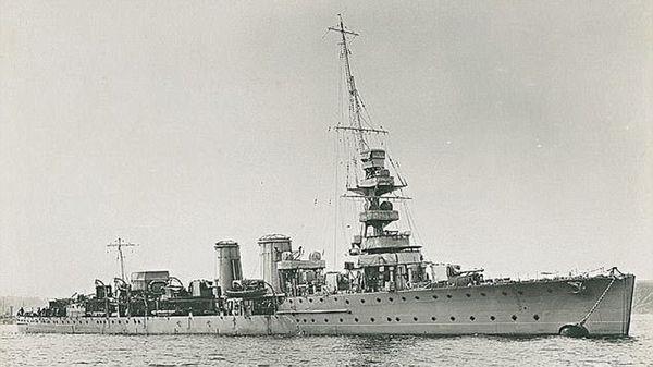 El HMS Calypso, uno de los dos cruceros que interceptaron al Minden