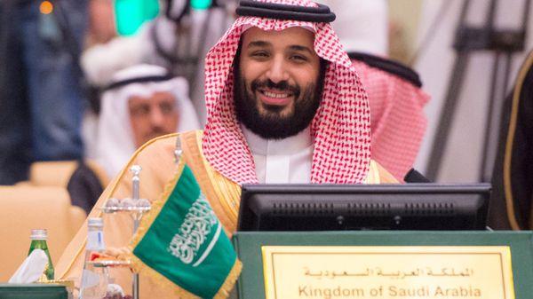 El ministro de Defensa de Arabia Saudita, príncipe Mohammed bin Salman, durante una reunión del Consejo de Cooperación del Golfo: tres de los seis países miembros cortaron relaciones con Qatar (AP)