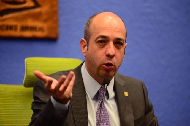 Pedro Salazar Ugarte es otro de los contendientes a la rectoría de la UNAM.