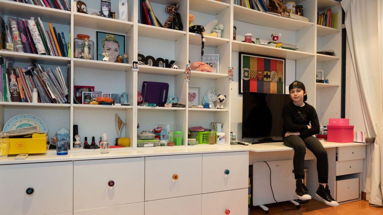 Según describe Juan, su habitación es su taller: allí diseña los slimes