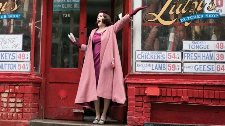 La protagonista de The Marvelous Mrs Maisel, Rachel Brosnahan, se llevó un Emmy este año