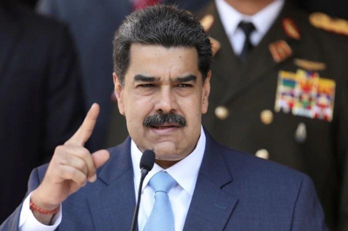 FOTO DE ARCHIVO: El presidente de Venezuela Nicolás Maduro da una conferencia de prensa en el palacio de Miraflores en Caracas, Venezuela, 12 de marzo del 2020. REUTERS/Manaure Quintero/Foto de archivo