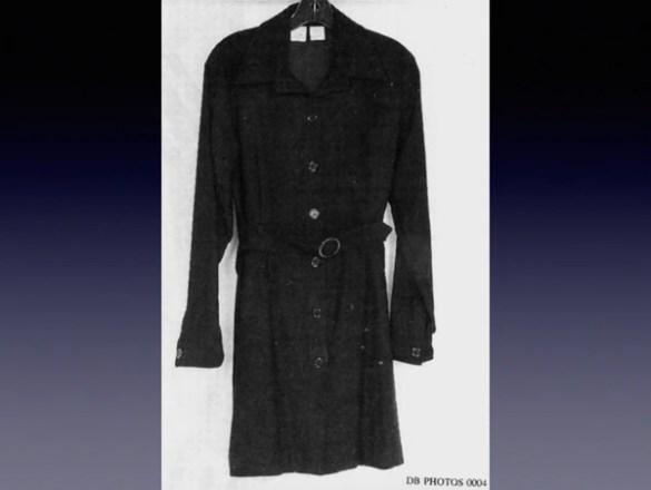 """El vestido que usó Monica Lewinsky en uno de los tantos encuentros sexuales con Bill Clinton. El Presidente tuvo un """"descuido"""" y manchó el atuendo con su semen"""