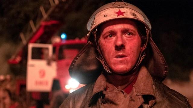 """La historia del bombero Vasili Ignatenko fue extraída del libro """"Voces de Chernobyl"""" de la Premio Nobel Svetlana Alexievich (HBO)"""