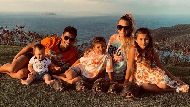 Luis Suárez se casó con Sofía Balbi y tienen tres hijos