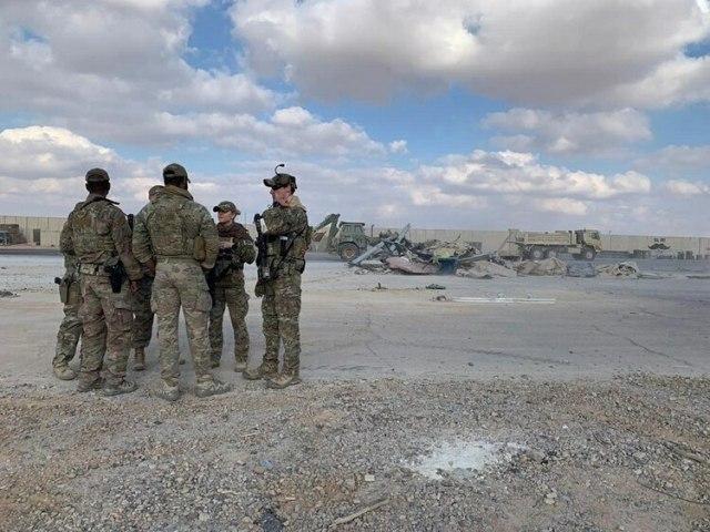 Los Estados Unidos no respondieron hasta el momento al ataque iraní que no provocó bajas entre sus tropas destinadas en la base Al Assad (AP)